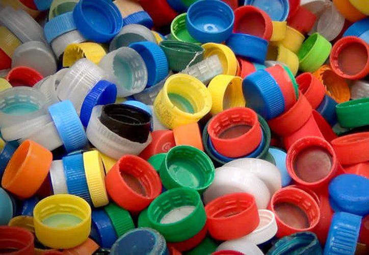 Impulsaron en Tulun una jornada para la colecta de tapas de plástico, a fin de beneficiar a los niños con cáncer. (Contexto/Internet).