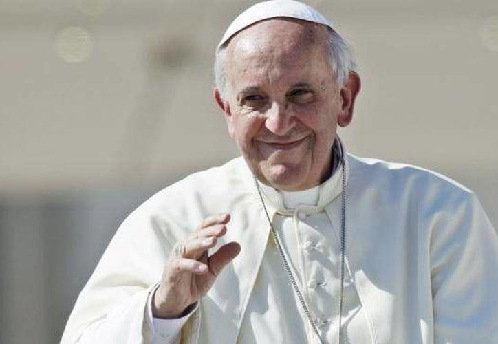 El Papa Francisco visitaría los estadios de futbol Morelos y Venustiano Carranza, así como la iglesia Catedral de Morelia, en la primera ciudad confirmada fuera del D.F. durante la visita papal a México en febrero del 2016. (Archivo AP)