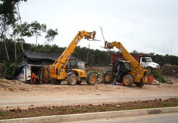 Actualmente 15 desarrolladoras inmobiliarias esperan autorización municipal para construir en Playa del Carmen. (Octavio Martínez/SIPSE)