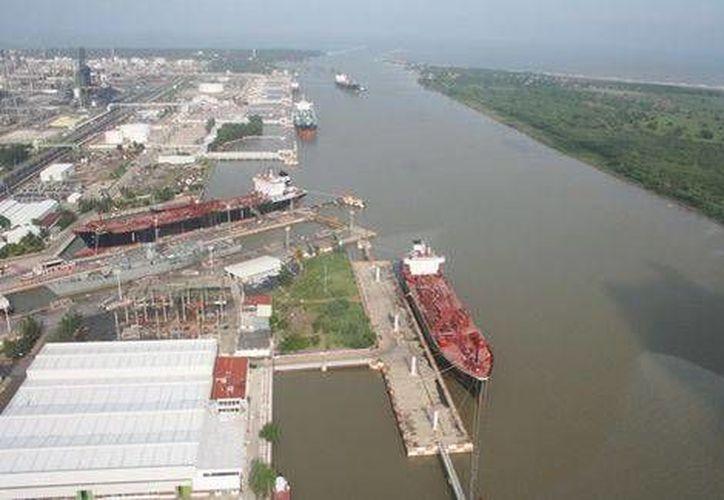El mandatario informó que se tienen 15 proyectos alternativos al original de Monterrey. (Milenio)