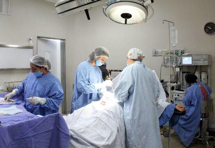 El objetivo es asegurar a los pacientes un tratamiento quirúrgico con menos tiempo de espera. (Foto: Luis Soto/SIPSE)