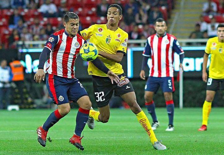 Chivas fueron locales ante los alicaídos Venados esta noche en Copa MX. (SIPSE)