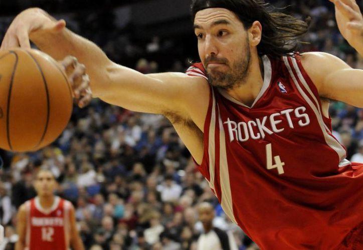 El basquetbolista argentino Luis Scola, de 36 años, continuará su carrera en la NBA, pero ahora con Nets. (thedreamshake.com)