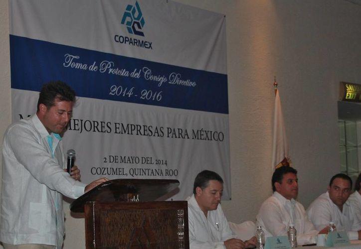 El nuevo presidente local de la Coparmex, Luis Alcérreca Balmes, exhortó tanto a autoridades como a ciudadanos a contribuir en el crecimiento de Cozumel.  (Julian Miranda/SIPSE)