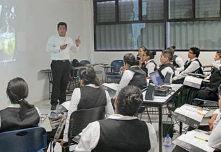 La Universidad Tecnológica (UT) de Cancún cada año aporta a la industria turística alrededor de 180 jóvenes. (Contexto/Internet).