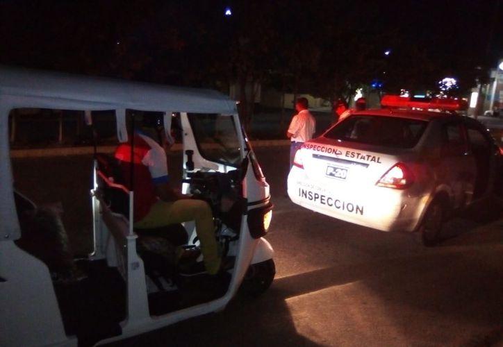 El retiro de mototaxis se realizó en las inmediaciones del tercer parque de Villas del Sol, en Solidaridad. (SIPSE)