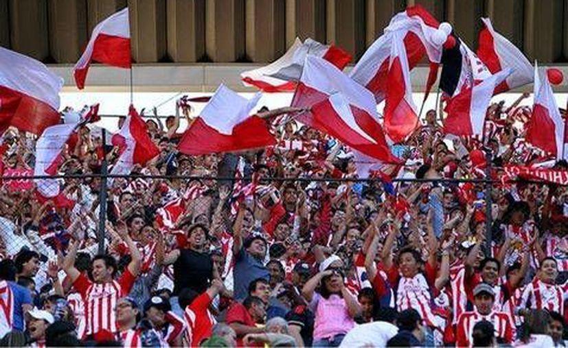 Por la sanción de la Femexfut, los integrantes de las barras rojiblancas no podrán estar presentes en el clásico Chivas-América.