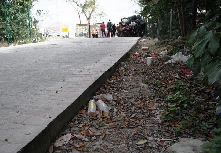 El lugar se encuentra atestado de plásticos, unicel, pet y hasta pedazos de mangueras. (Octavio Martínez/SIPSE)