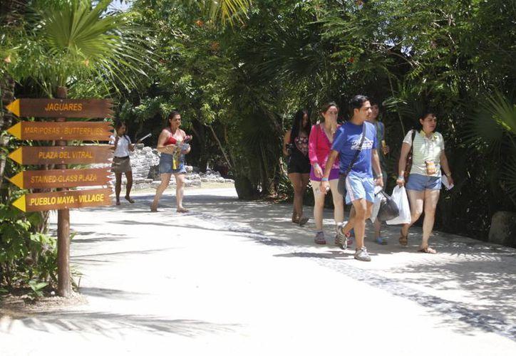 El destino permanece en el gusto de los turistas por sus bellezas naturales. (Sergio Orozco/SIPSE)
