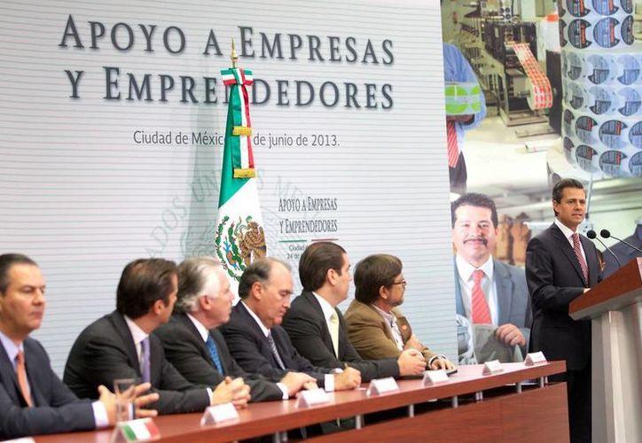 El Presidente insistió en la necesidad de invertir en programas de capacitación y crecimiento de las empresas. (presidencia.gob.mx)