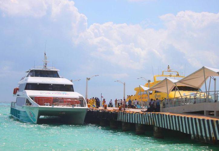 La SCT revisará la tarifa diferenciada en los ferrys que cruzan de Playa del Carmen a Cozumel y viceversa. (Daniel Pacheco/SIPSE)