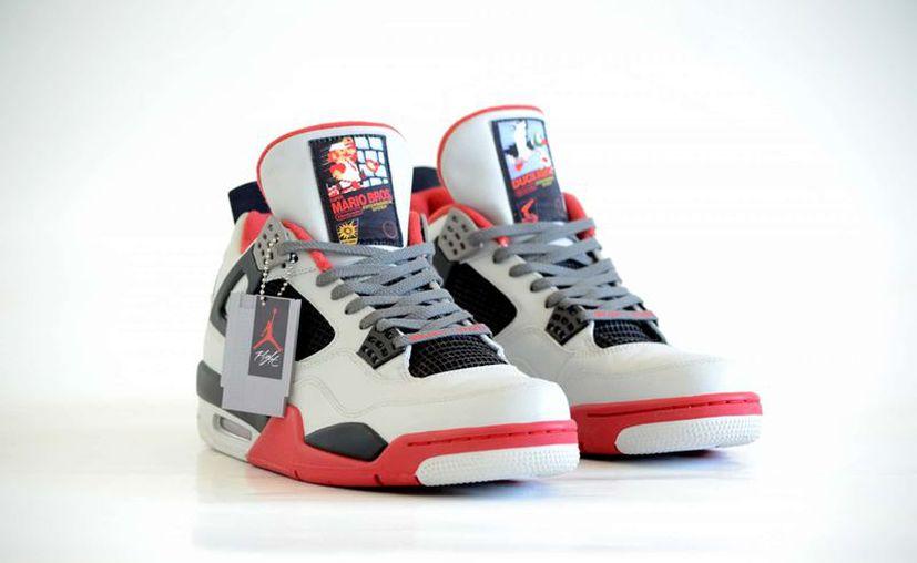 La compañía Freaker Sneaks ha diseñado los Air Jordan 4 Retro NES. (Contexto)