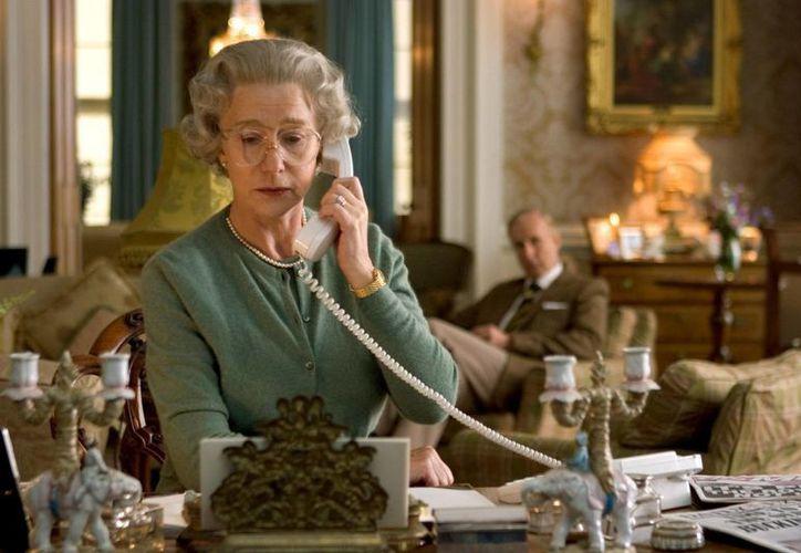 Helen Mirren, ganadora del Oscar en 2006 por The Queen, es una de las aspirantes para los Premios Tony. (onscreenfashiondotcom)
