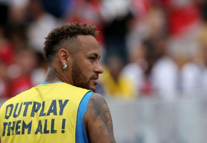 Neymar fue humillado por un jugador mexicano en un torneo de Freestyle. (Reuters)