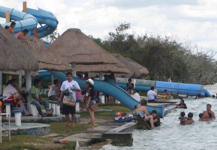 La ocupación hotelera en Bacalar en estas vacaciones de verano comenzó con 85%. (Javier Ortiz/SIPSE)