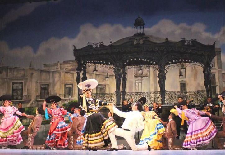 """El Ballet Folclórico del Estado """"Alfredo Cortés Aguilar ha recorrido importantes escenarios nacionales e internacionales. (Novedades Yucatán)"""