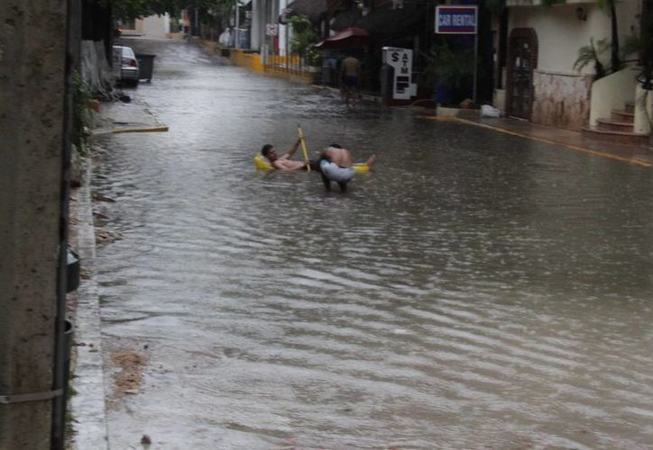 Aguakán anunció que invertirá 100 millones de pesos en la prevención de rebosamientos de los cárcamos del centro de Playa del Carmen. (Adrián Barreto/SIPSE)