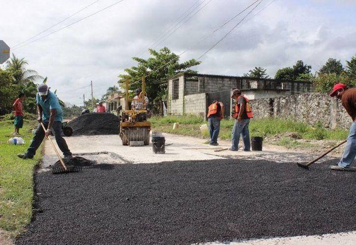 Estas acciones permitirán cambiar totalmente la imagen urbana del primer cuadro de la ciudad de Bacalar. (Javier Ortíz/SIPSE)