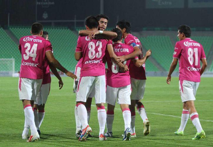 El conjunto esmeralda dio cuenta de Santos Laguna con un 5-3 global para instalarse en la final, luego de su regreso al máximo circuito en el Clausura 2012. (Notimex)