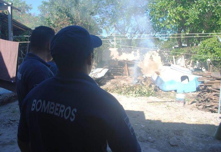 Los Bomberos de Playa del Carmen atienden al menos un reporte de incendio (o conato) al día. (Daniel Pacheco/SIPSE)