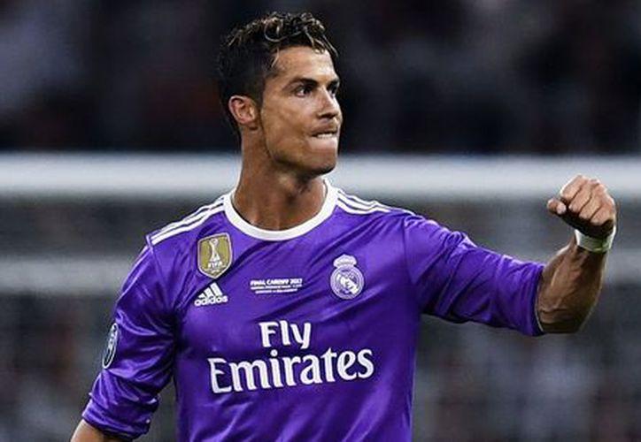 Desde hace más de un año, Cristiano a expresado sus deseos de cambiar de equipo. (Internet)