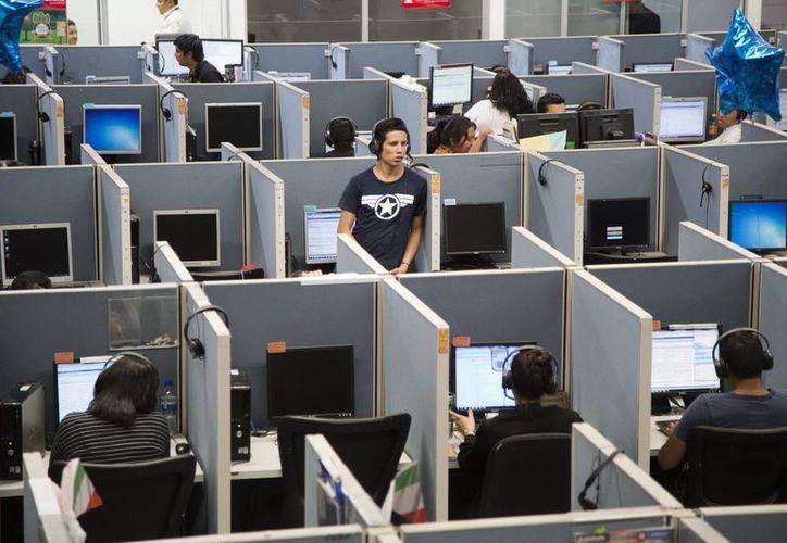 La ASF detectó pagos millonarios a empresas de atención telefónica cuyo servicio a los ciudanos resultó ineficiente. (Archivo/SIPSE)