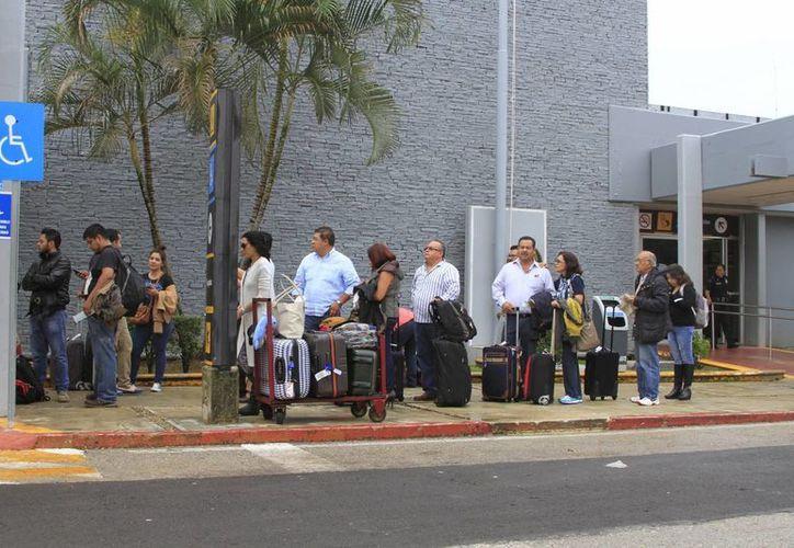 La terminal aérea de Chetumal no tendrán ajustes en sus operaciones. (Ángel Castilla/SIPSE)