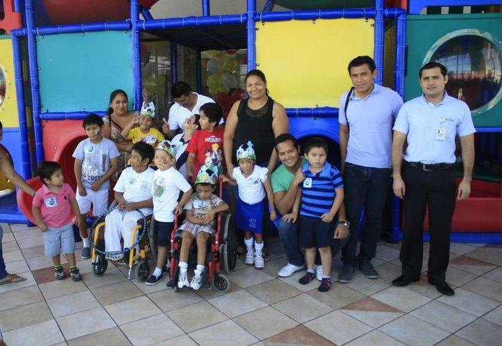 Padres de familia de niños con alguna discapacidad han notado que su integración genera grandes avances en su tratamiento. (Harold Alcocer/SIPSE)
