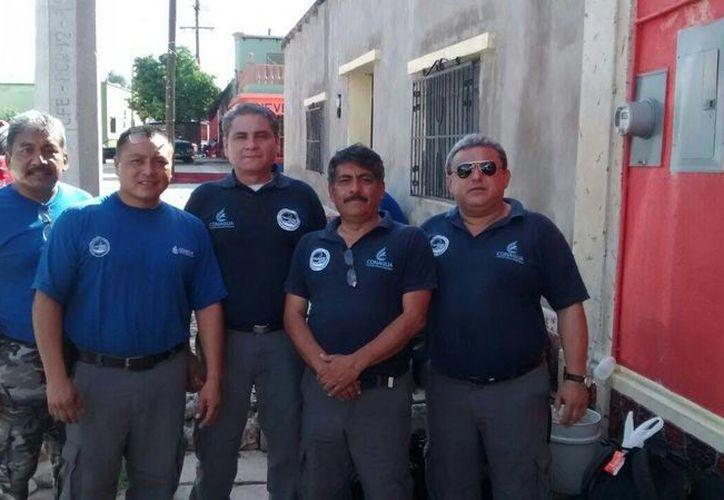 Los brigadistas Adrián Rocha, Ricardo Rojas, Angel Borges, Azael Ramírez y Rafael Durán están apoyando a la población afectada por la contaminación en el río Sonora. (SIPSE)