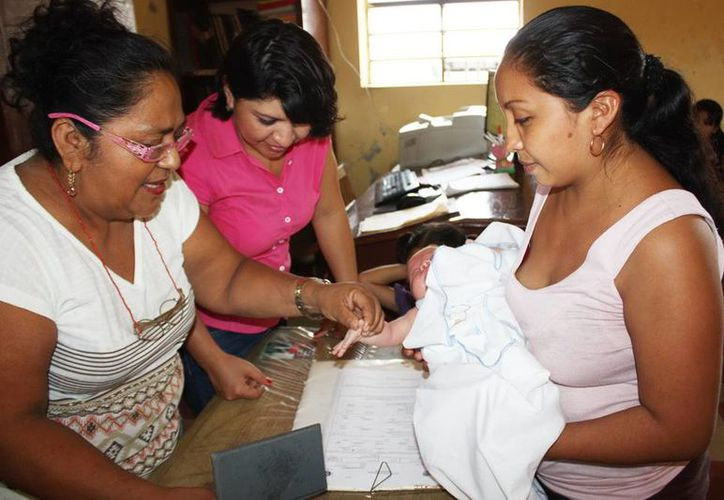 El registro de los menores debe de ser en los 45 días posteriores al nacimiento, trámite que se efectúa de manera gratuita e incluye un certificado. (Milenio Novedades)