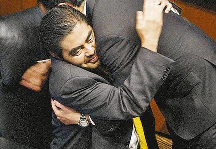 La sesión inició hasta que el senador Miguel Barbosa se acomodó en su lugar. (Milenio)