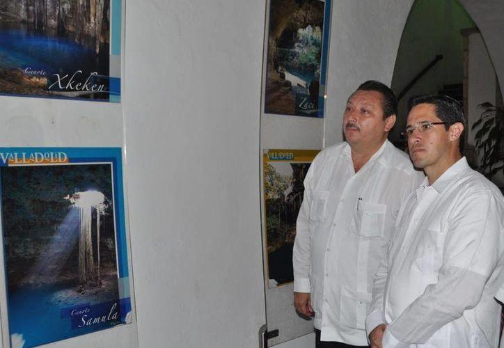 Los alcaldes Aurelio Joaquín González y Roger Alcocer García. (Redacción/SIPSE)