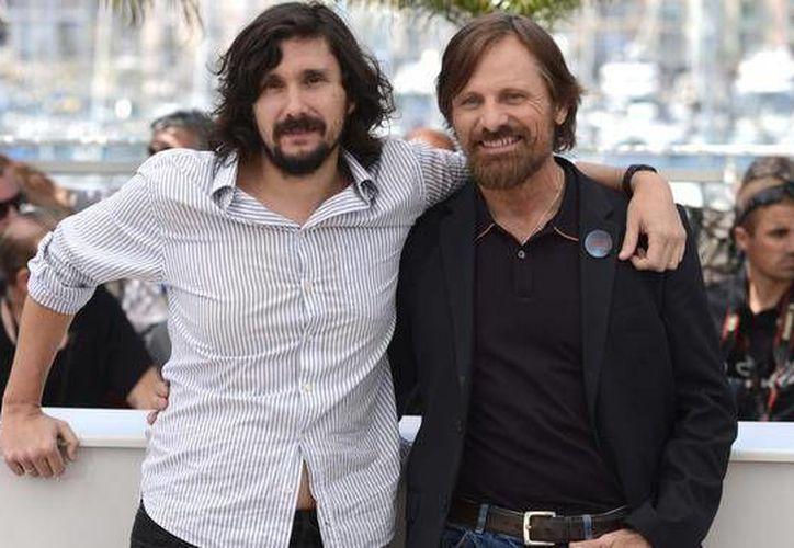 Lisandro Alonso y Viggo Mortensen durante una sesión de fotos para Jauja en el festival internacional de cine 67th, Cannes, sur de Francia. (Archivo/Agencias)