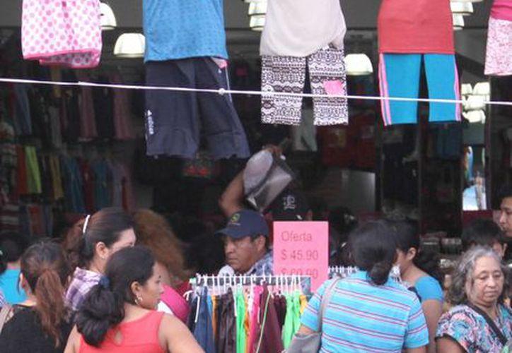 Los empresarios locales ha optado por el consumo de materias de origen nacional. (Milenio Novedades)