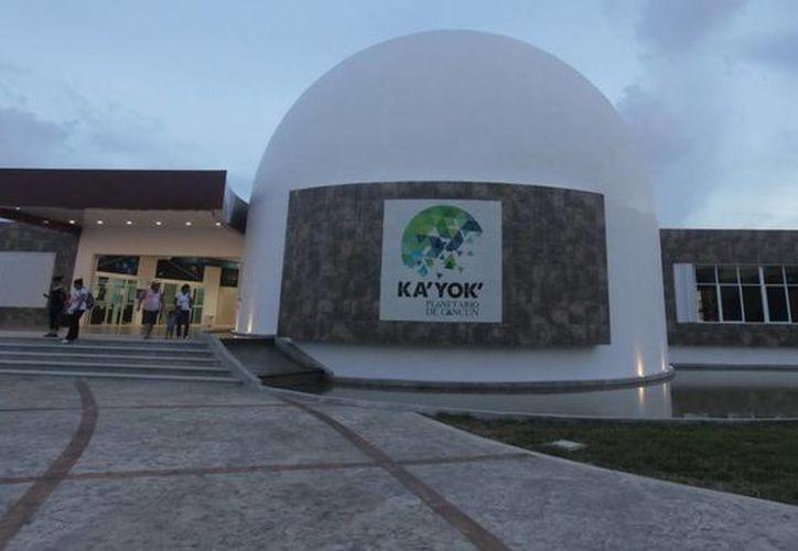 El Planetario abrirá sus puertas a las 10 horas, en lugar de las 9, y cerrará a las 19 horas, en vez de las 18 horas. (Redacción/SIPSE)
