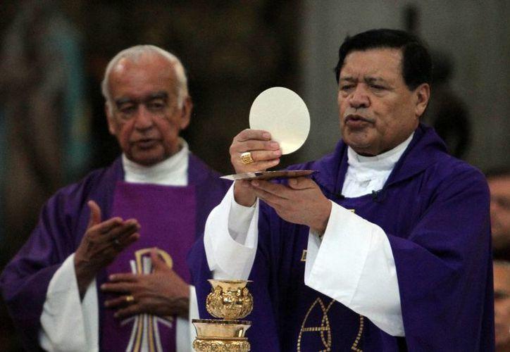 El cardenal Norberto Rivera prácticamente condenó al infierno a quienes pretenden dejar sin agua a Iztapalapa durante la Semana Santa. (Notimex)