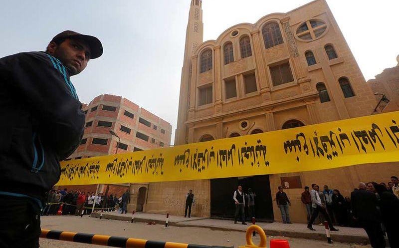 Mueren 10 personas tras ataque en iglesia de El Cairo, Egipto