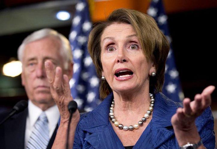 Nancy Pelosi aseguró que los republicanos han gastado millones de dólares en publicidad de cara a las elecciones de este martes. (AP)