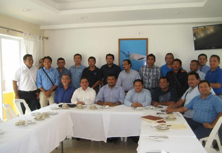 Ex funcionarios apoyarán la campaña de la candidata a la presidencia municipal por el PAN. (Lanrry Parra/SIPSE)