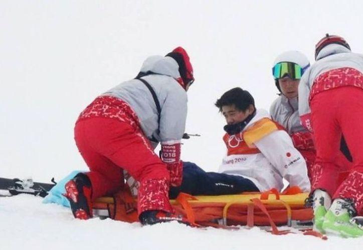 Yuto Totzuka sufrió un grave accidente en la competencia del snowboard pero al final salió ileso. (HSB Noticias)