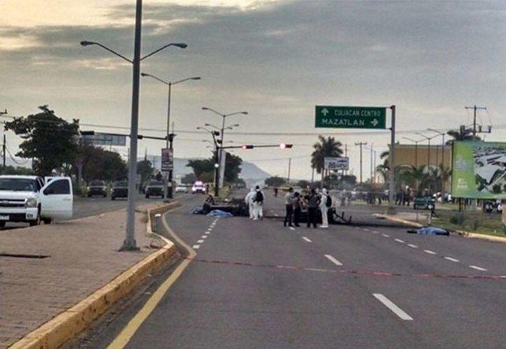 Elementos del Ejército fueron emboscados por la delincuencia organizada en Culiacán, cuando trasladaban a una persona herida en una ambulancia. (excelsior.com.mx)