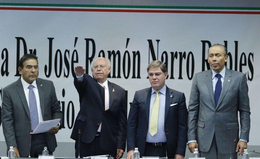 El secretario de Salud, José Narro Robles compareció ante en comisiones del Senado como parte de la glosa del VI Informe de Gobierno de Enrique Peña Nieto. (Notimex)
