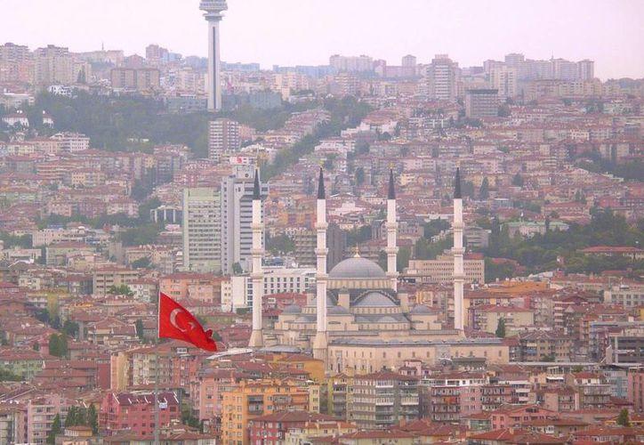 Imagen de la ciudad de Ankara, Turquía, lugar donde se instalará el refugio para hombres golpeados. (Archivo AP)
