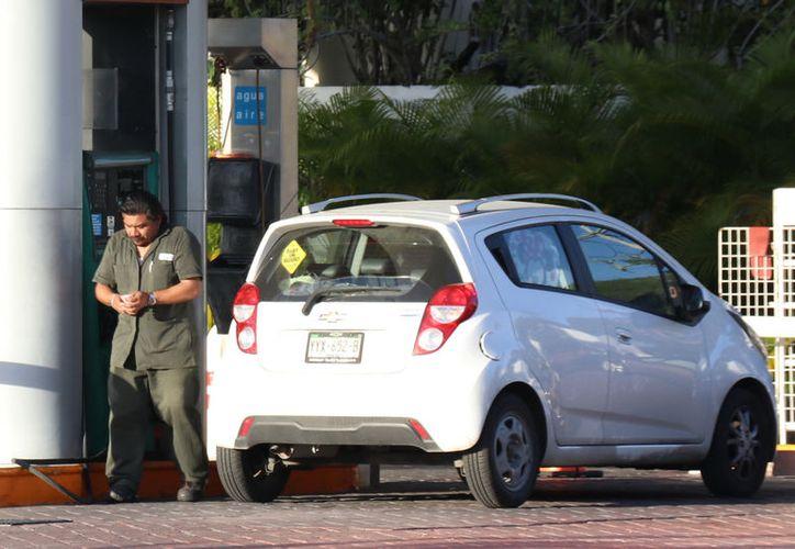 En las gasolineras de Mérida el precio por litro de la gasolina Magna se fijó entre 18.50 y 19.04 pesos, cuando en el transcurso del año rondó los 19.91.