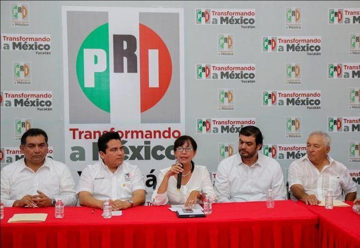 Rueda de prensa en la que se presentó a la nueva delegada del CEN del PRI en Yucatán. (SIPSE)