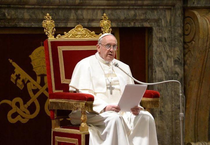 Los católicos parecen complacidos con el Papa Francisco, sobre todo por su humildad. (Agencias/Archivo)