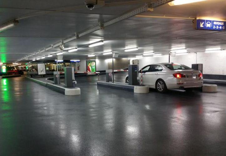 Estacionamiento donde se robaron 400 mil dólares en joyas. (asteri.fr)
