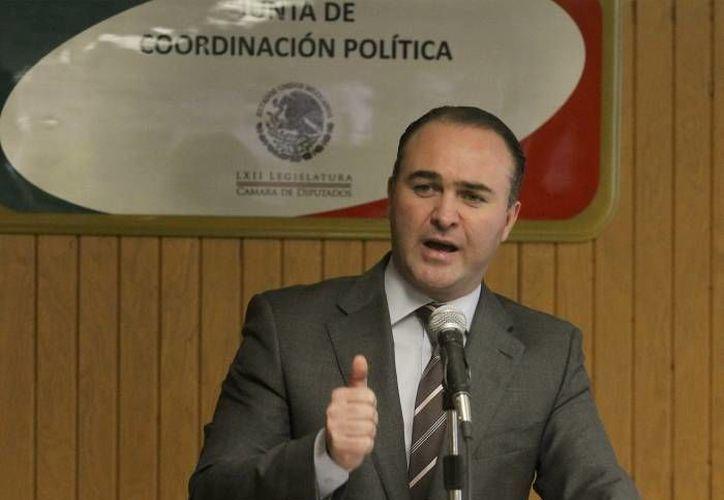 El coordinador panista Luis Alberto Villarreal cuestionó desde el pasado viernes en Twitter la homologación del IVA en las fronteras. (Archivo/Notimex)