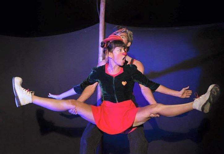 El Circo en Kombi presentará 'Un sueño rodando' hoy en Puerto Morelos. (Cortesía/Circo en Kombi)