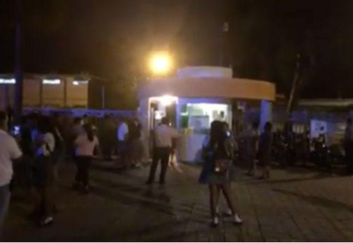 La noche de ayer un Cbtis de Ciudad Victoria fue desalojado tras la supuesta amenaza de un ataque de la Legión Holk. (SDPnoticias)